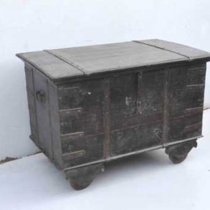 KH6-PIC-52 Indian Furniture Trunk Old Hardwood