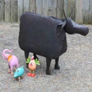 k49-dsc00569 indian gift unusual cow context