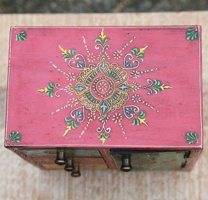k51-IMG_4741 indian accessories handpainted top detail