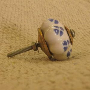 n0249c indian accessory knob unusual blue white pattern side