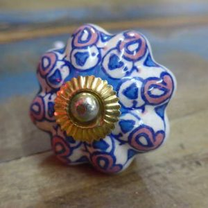 n0249n - indian ceramic hand painted drawer or door knob blue and pink flower front