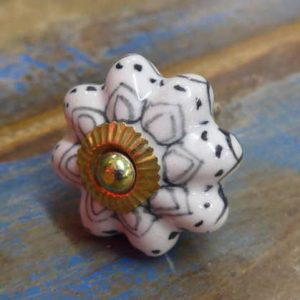 n0249o - indian ceramic hand painted drawer or door knob black flower front