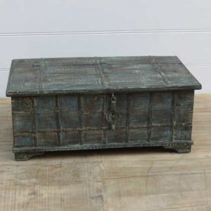 k13-RSO-28-a indian furniture trunk coffee table old dark