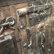 k13 RSO 72 indian furniture sideboard unusual locks metal wooden close