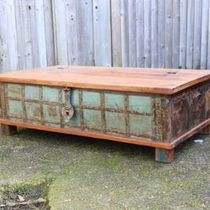 kh13-rso-48 indian furniture trunk coffee table storage banding green angle view