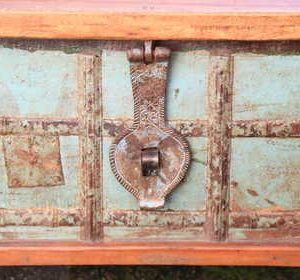 kh13-rso-48 indian furniture trunk coffee table storage banding green engraved