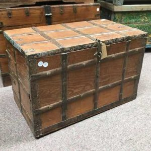 kh14-rs18-003-a indian furniture trunk vintage banded metal
