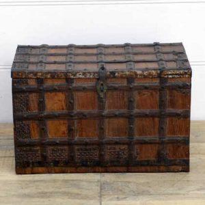 kh14-rs18-003-b indian furniture trunk vintage banded metal front