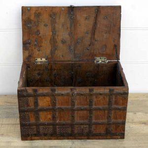 kh14-rs18-003-b indian furniture trunk vintage banded metal open