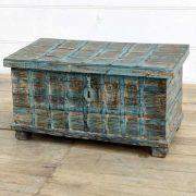 kh14-rs18-067 indian furniture blue metalwork trunk distressed