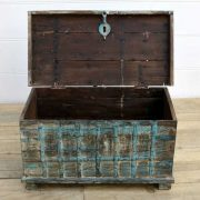 kh14-rs18-067 indian furniture blue metalwork trunk open