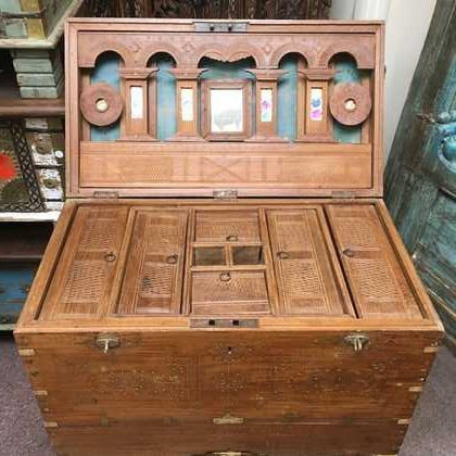 kh14-rs18-104 indian furniture trunk with ornate inlay metalwork pillar