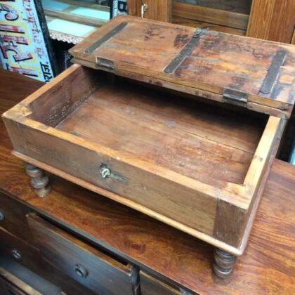 kh17-RS2019-26-b indian furniture old teak table low lid open