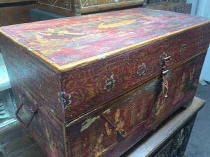 k67-90723 indian furniture trunk storage hand painted detailed red angle