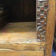 kh18 041 indian furniture bookshelf teak close right