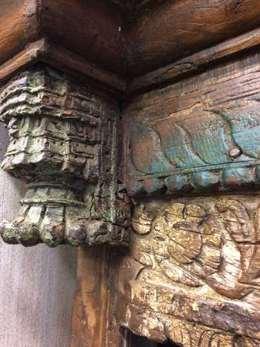 kh18 067 indian furniture bookcase carved vintage reclaimed carving close