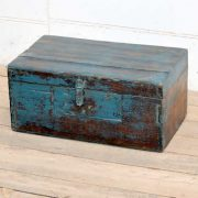 kh19 RS2020 035 indian furniture characterful blue old box angle