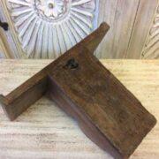 kh19 RS2020 082 indian furniture wall shelf carved corbel B back