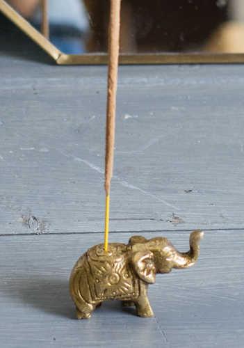 IH40 namaste indian accessory gift elephant incense holder brass
