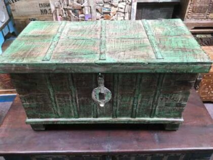 kh14 rs18 067 b indian furniture green metalwork trunk front