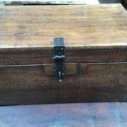 kh18 001 C indian furniture trunk vintage teak front
