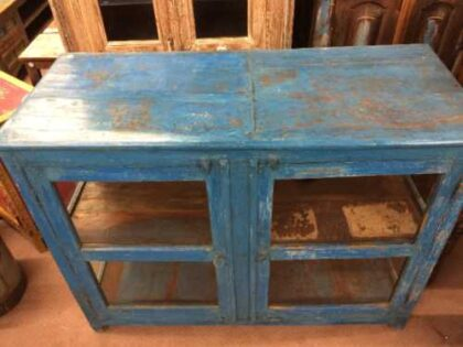 kh19 RS2020 096 indian furniture cabinet glass panelled top